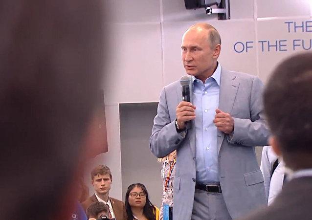 Putin: Co jest straszniejsze od bomby atomowej