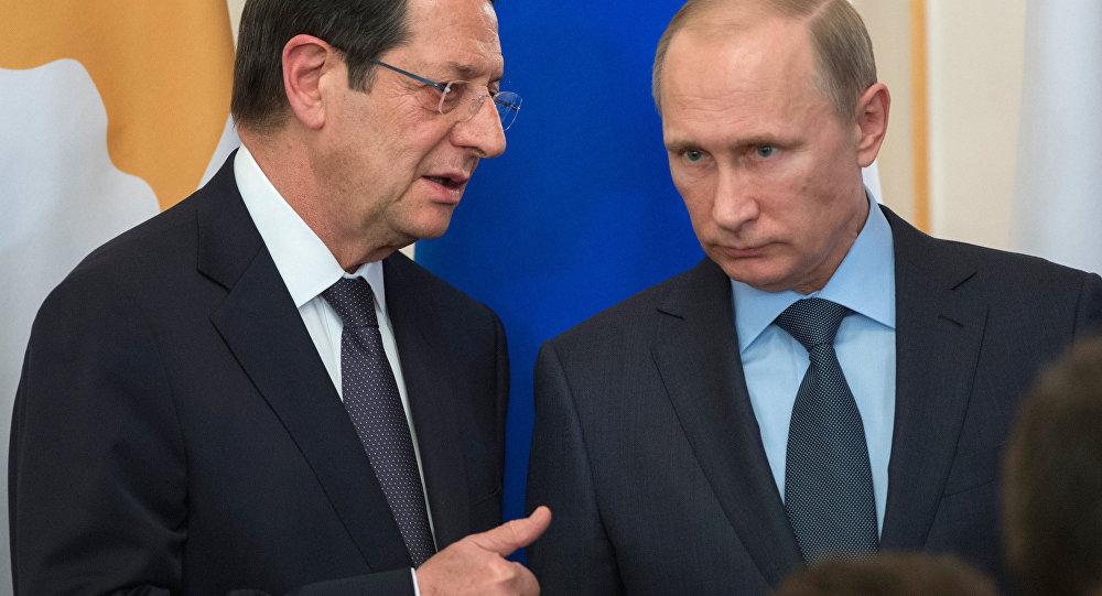 Władimir Putin i prezydent Cypru Nikos Anastasiadis