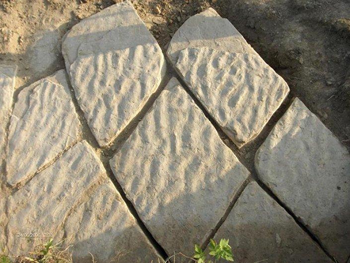 Siedem ośrodków badawczych potwierdziło, że jest to sztuczny beton...