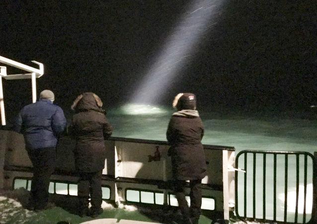 Ratownicy znaleźli koło Spitsbergenu wrak zaginionego Mi-8