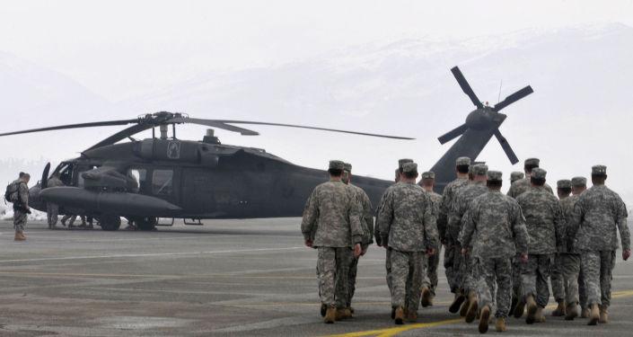 Amerykańscy wojskowi podczas akcji ratunkowej w Czarnogórze. Zdjęcie archiwalne
