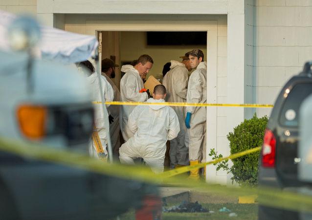 Kryminaliści na miejscu strzelaniny przy kościele w Sutherland Springs w Teksasie