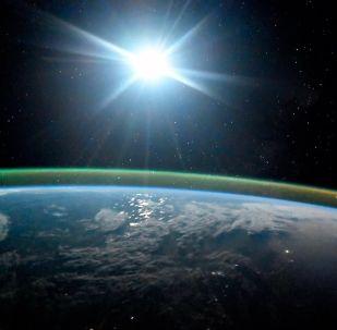 Ziemia w świetle księżycowym