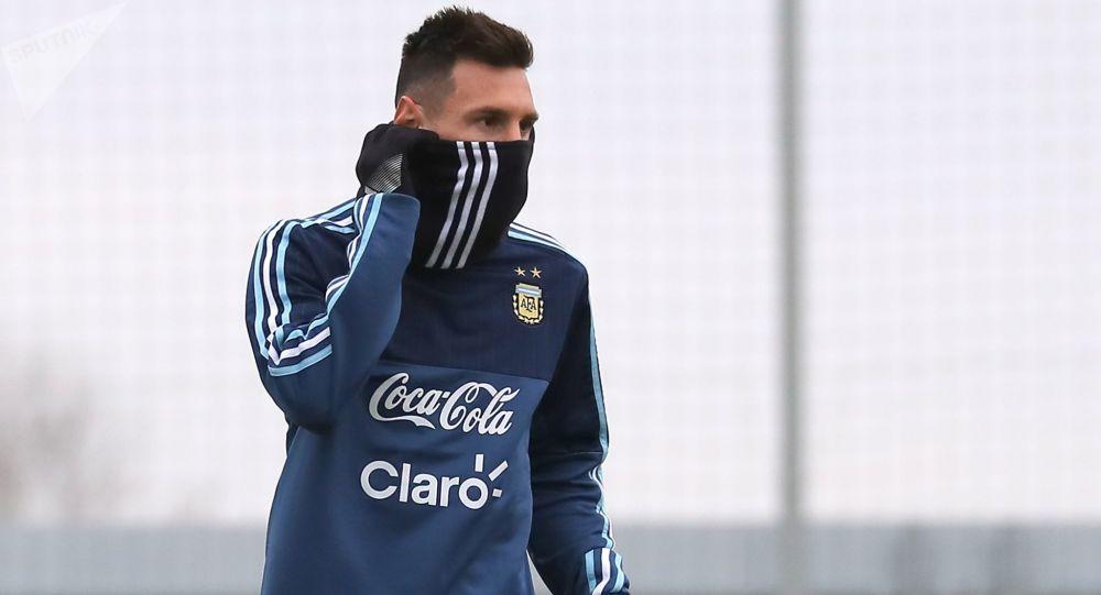 Lionel Messi na treningu drużyny narodowej przed meczem z Rosjanami