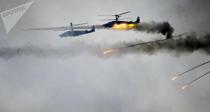 Helikoptery Ka-52 na wspólnych ćwiczeniach sił wojskowych Białorusi i Rosji Zapad-2017