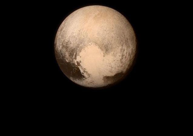 Снимок планеты Плутон с борта автоматической межпланетной станции NASA New Horizons