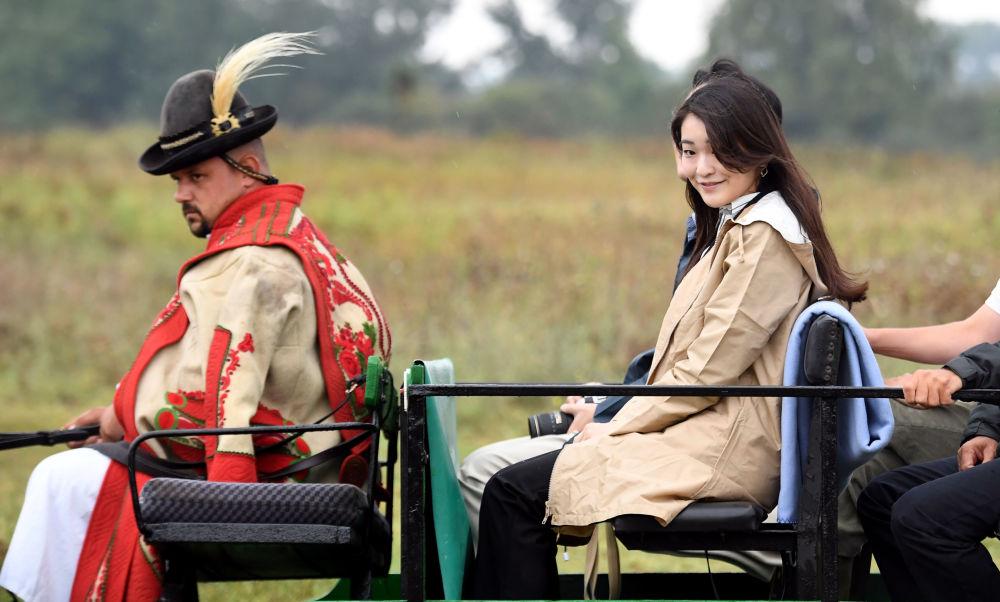 Księżniczka Mako -  Najstarsza córka księcia Akishino i jego żony, księżnej Kiko. Należy do japońskiej rodziny cesarskiej