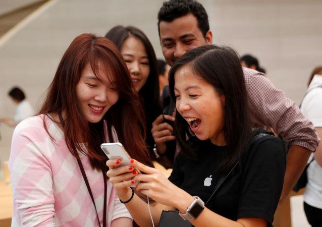 Sprzedaż iPhone'a X w Singapurze