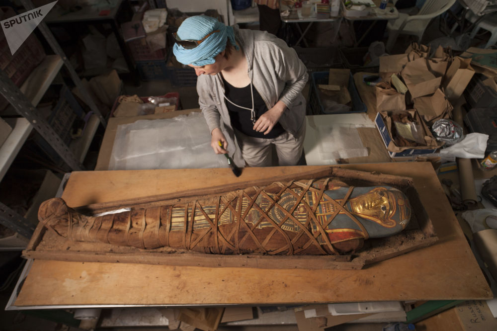 Mumia jest w dobrym stanie, jej lniany całun pogrzebalny nie został uszkodzony.
