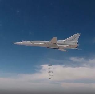 Bombowce Tu-22М3 zaatakowały punkty oporu i sprzęt pancerny terrorystów w Al-Bukemal