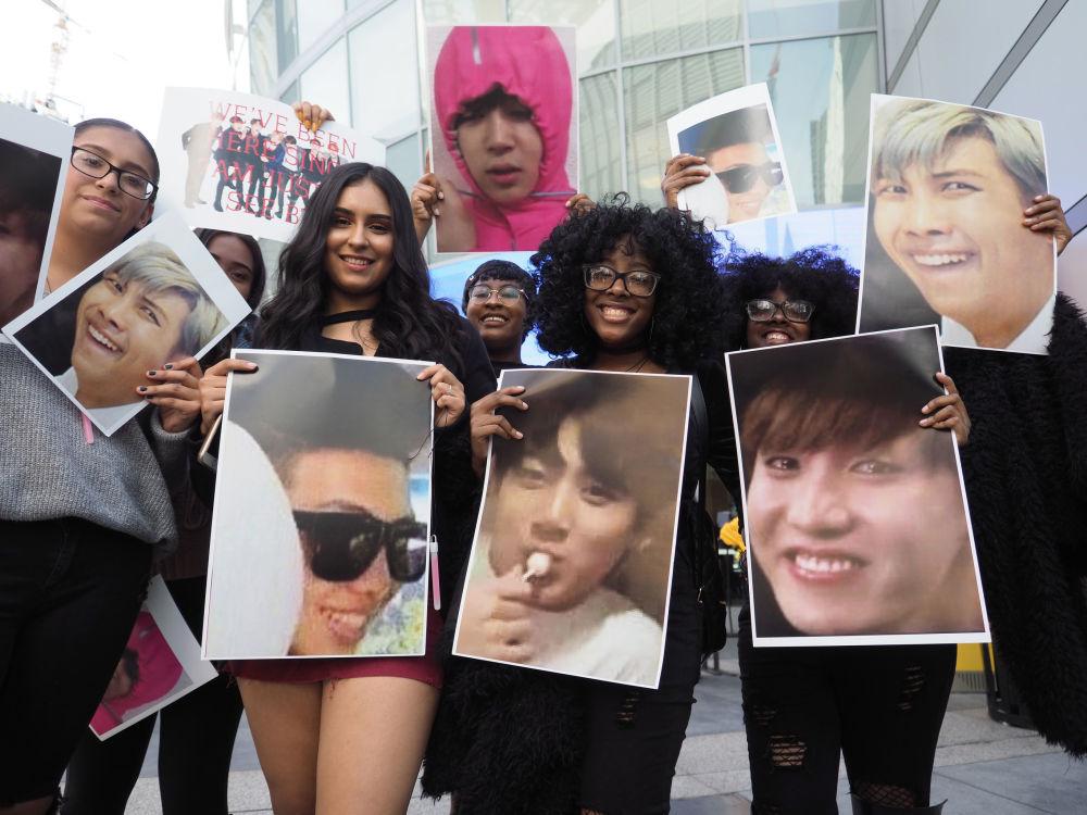 Fani grupy BTS w Los Angeles