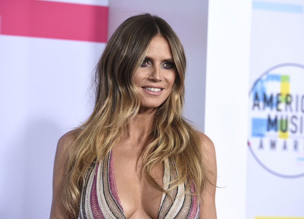Heidi Klum na ceremonii wręczenia nagród American Music Awards 2017 w Los Angeles