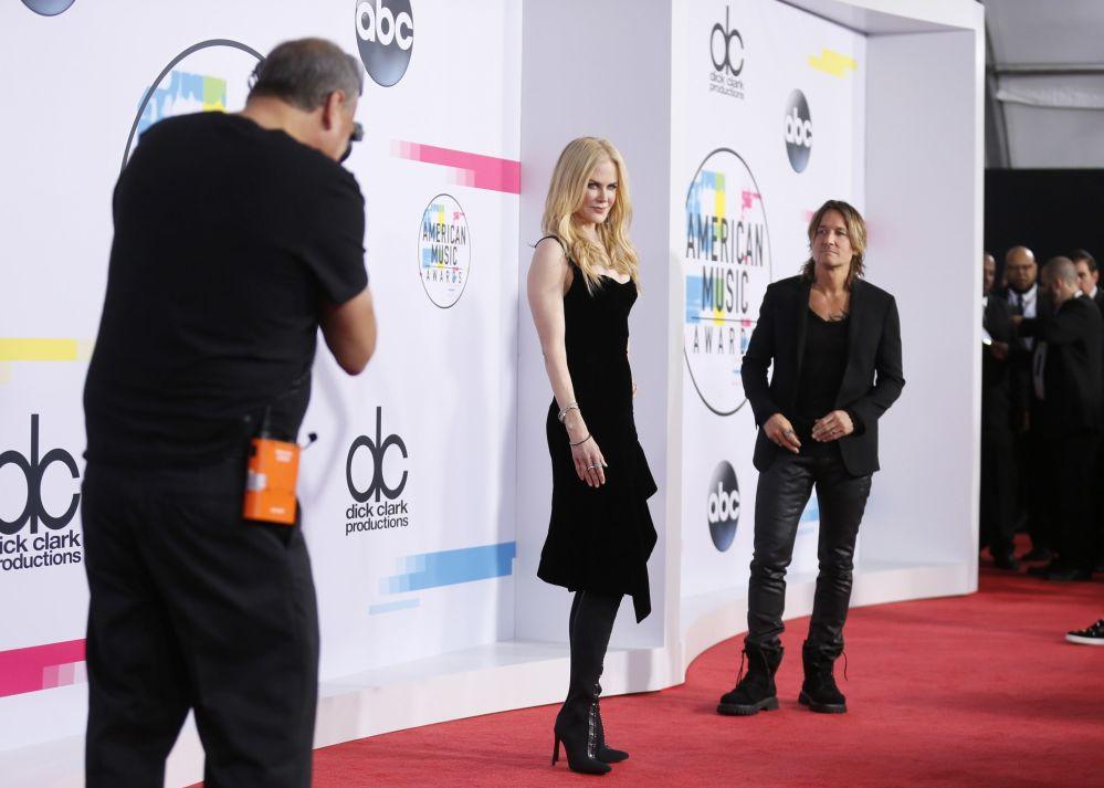 Aktorka Nicole Kidman z mężem na ceremonii wręczenia nagród American Music Awards 2017 w Los Angeles