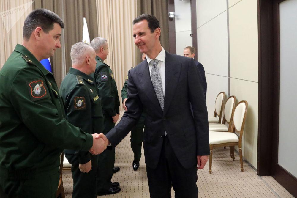 Prezydent Syrii Baszar Hafiz al-Asad podczas przedstawienia zarządu Ministerstwa Obrony Federacji Rosyjskiej i Sztabu Generalnego Sił Zbrojnych Federacji Rosyjskiej