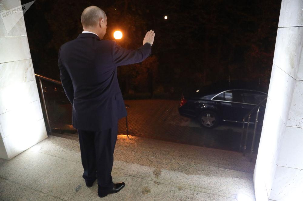 Władimir Putin po zakończeniu spotkania z prezydentem Syrii w Soczi