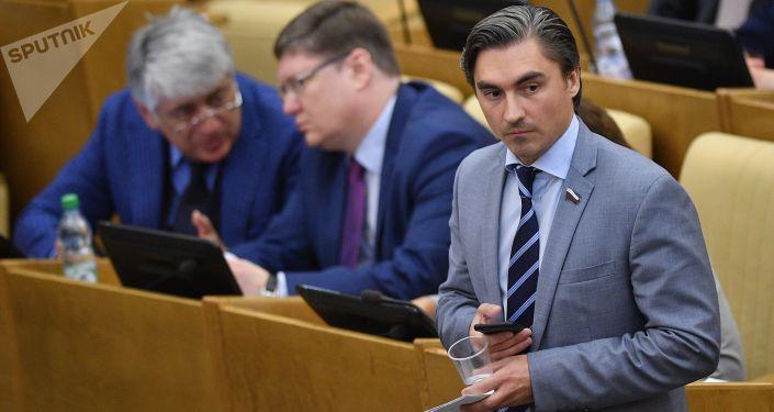 Wiceprzewodniczący komisji ds. polityki informacyjnej, technologii informacyjnych i łączności Dumy Państwowej Andriej Swincow