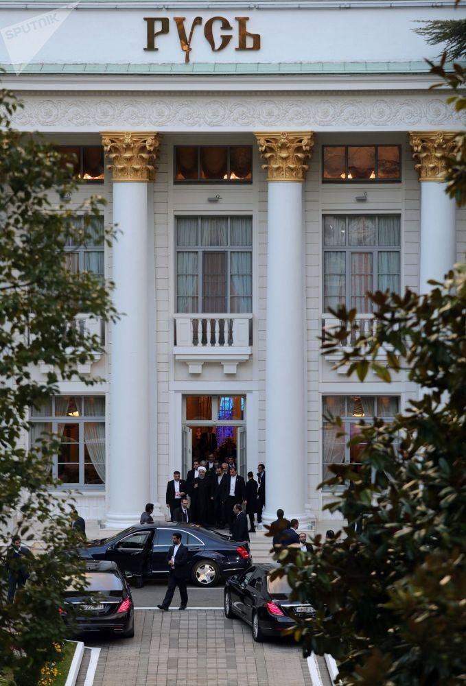 Budynek sanatorium Rus, gdzie odbywało się spotkanie prezydentów Rosji, Iranu i Turcji