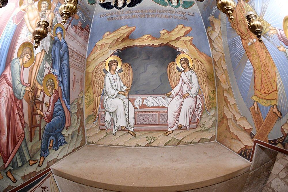 Katafalk Chrystusa w grobie świątyni Zmartwychwstania na terytorium Nowo-Jerozolimskiego Klasztoru Męskiego