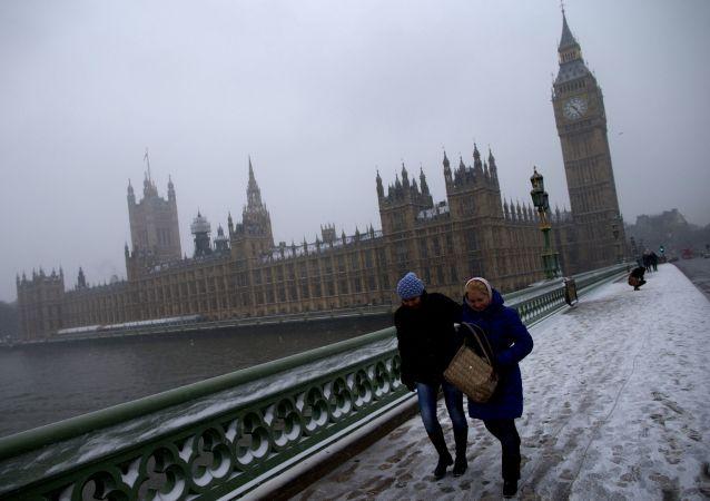 Opady śniegu w Londynie