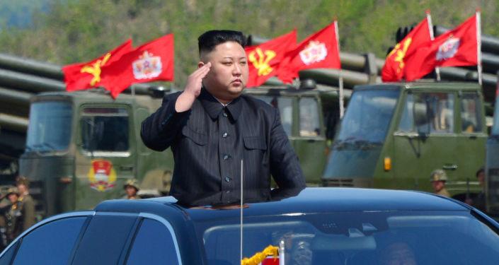 Przywódca Korei Północnej przeprowadza inspekcję wyrzutni artyleryjskich