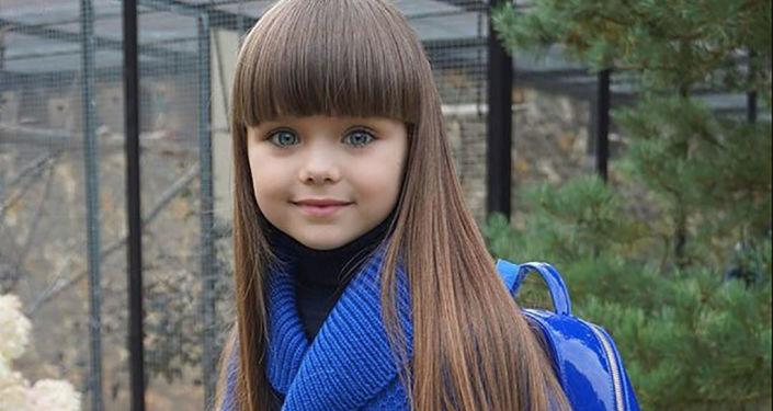 """Brytyjskie media ogłosiły sześcioletnią Rosjankę Anastazję Kniaziową """"najpiękniejszą dziewczynką na świecie"""
