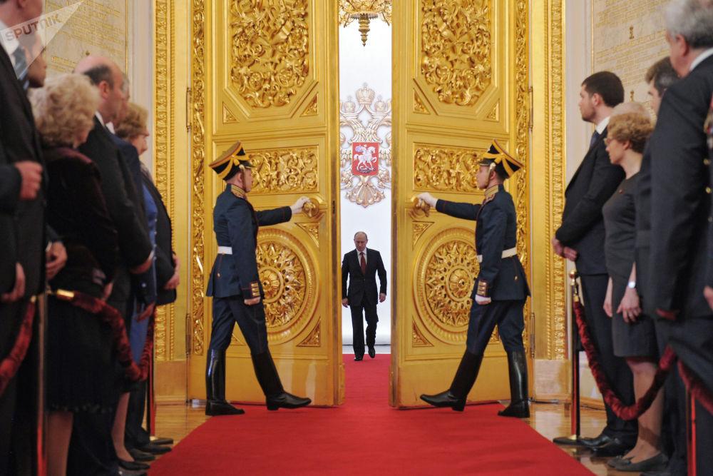 Władimir Putin w Wielkim Pałacu Kremlowskim podczas ceremonii objęcia stanowiska prezydenta, 2012 rok
