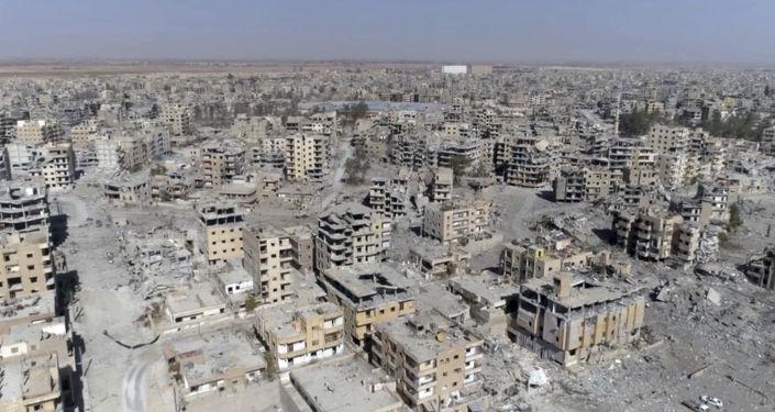 Zburzone domy w syryjskiej Rakce