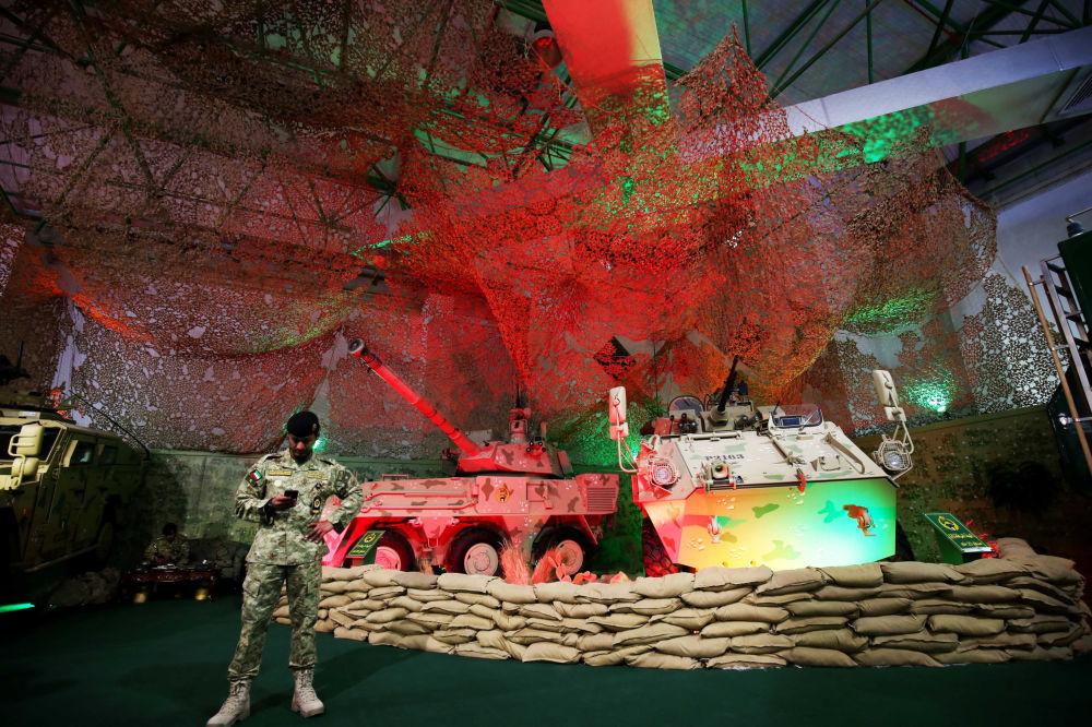 Sprzęt wojskowy na międzynarodowej wystawie broni i sprzętu wojskowego Gulf Defence & Aerospace 2017