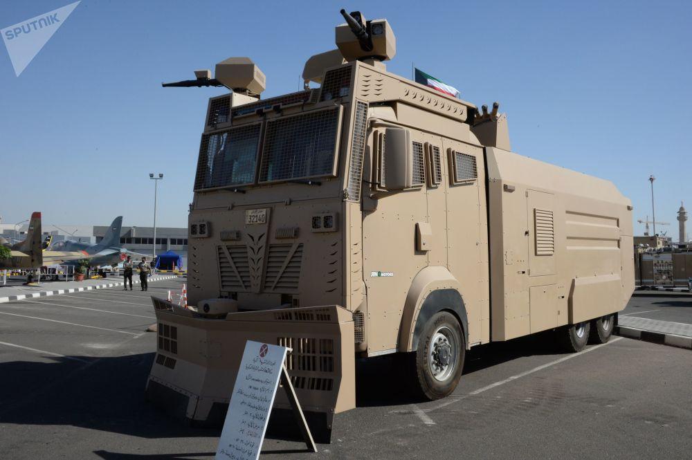 Pojazd do rozganiania protestujących Titan