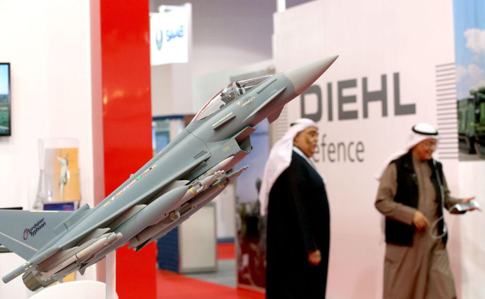 Model wielozadaniowego myśliwca Eurofighter Typhoon