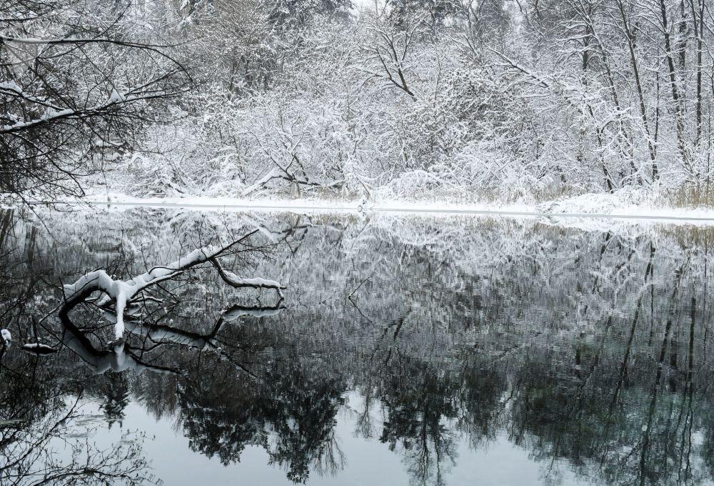 Woda Wielkiego Błękitnego, Protocznego i Małego Błękitnego Jeziora pochodzi ze zbiorników podziemnych.