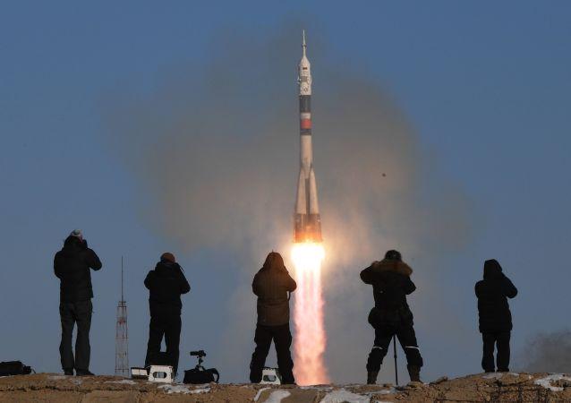 Rakieta nośna Sojuz-FG ze statkiem załogowym Sojuz MS-07 wystartowała z kosmodromu Bajkonur