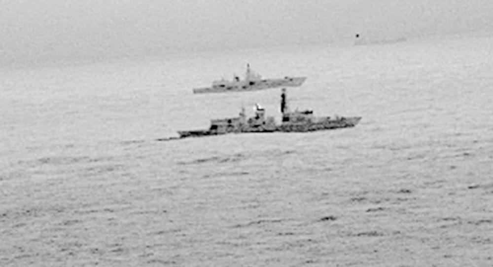 Brytyjska fregata St. Albans i rosyjska fregata Admirał Gorszkow