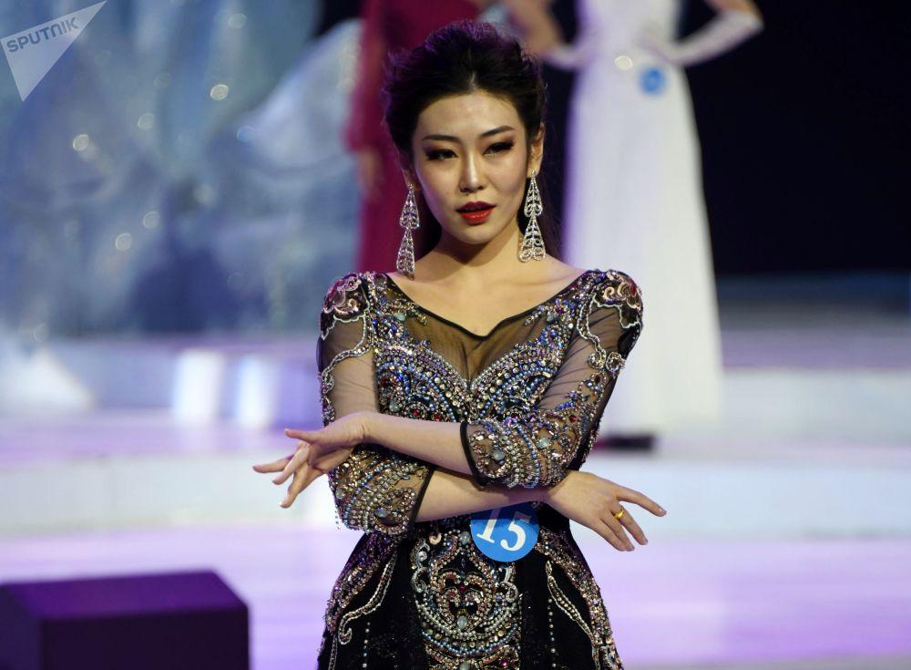 Si Bin zwyciężczyni konkursu Ambasadorka piękności w Mandżurii