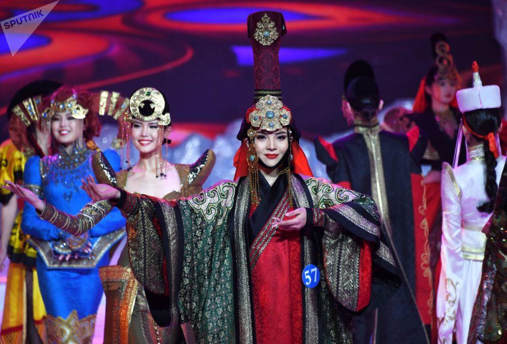 Uczestniczki konkursu Ambasadorka piękności w Mandżurii