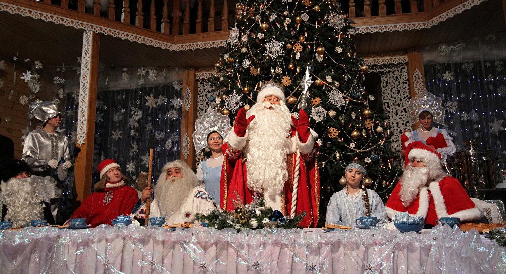 Dziadek Mróz przyjmuje gości