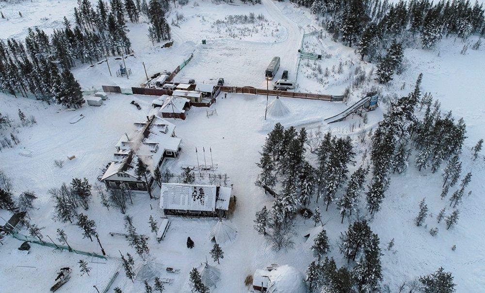 Saamowie (lub Lapończycy) są rdzennym ludem obwodu murmańskiego, który zamieszkiwał Półwysep Kolski, a także północną Norwegię, Szwecję i Finlandię.