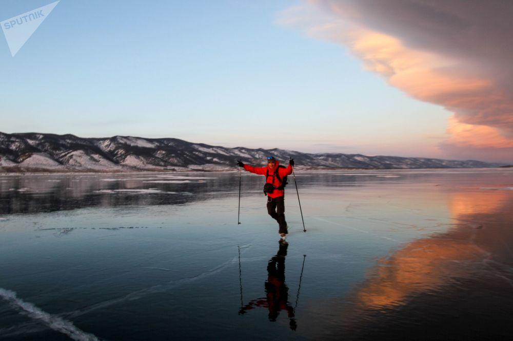 Lód jeziorze Bajkał