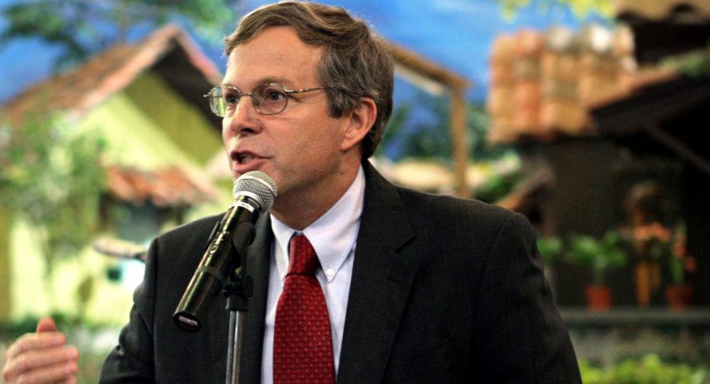 Zastępca szefa biura ds. europejskich i eurazjatyckich Departamentu Stanu USA John A. Heffern