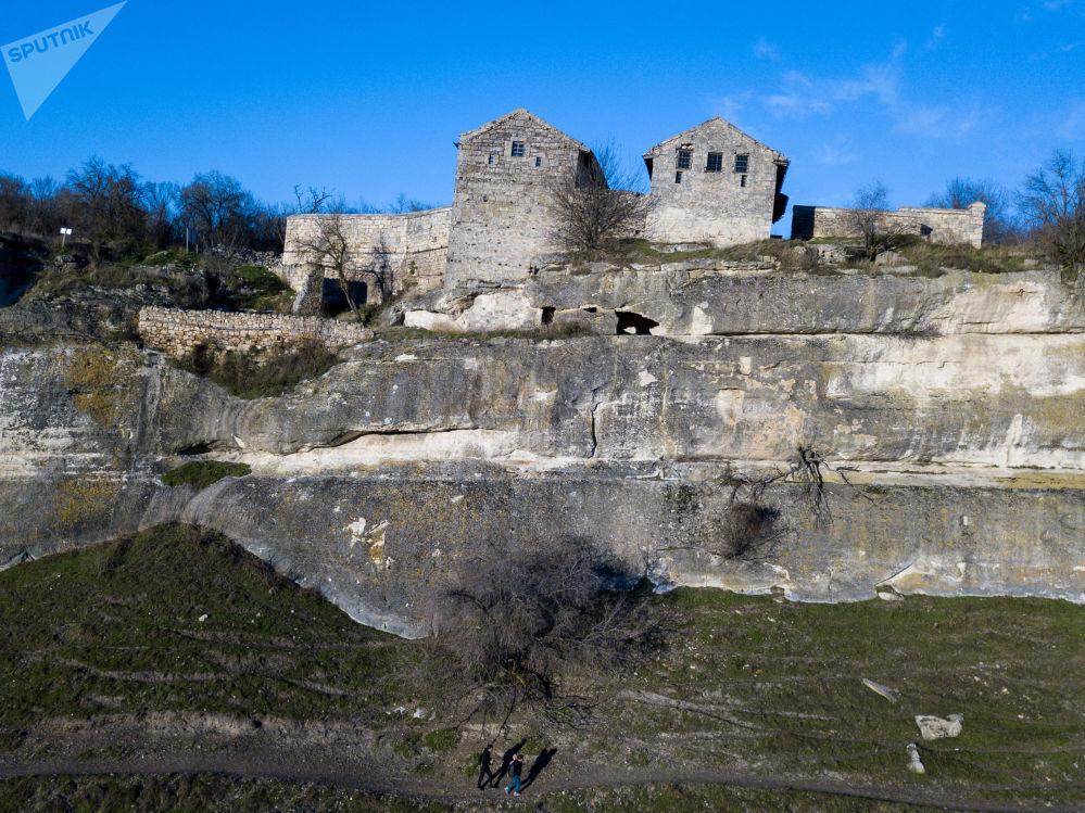 Skalne miasto Czufut-Kale na Krymie
