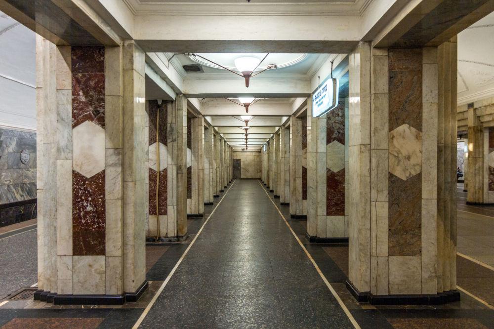 Stacja moskiewskiego metra Siemionowskaja