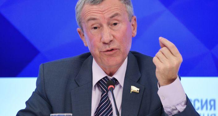 Wiceprzewodniczący Komisji Rady Federacji ds. Międzynarodowych, przewodniczący Tymczasowej Komisji Rady Federacji ds. Ochrony Suwerenności Państwa Andriej Klimow