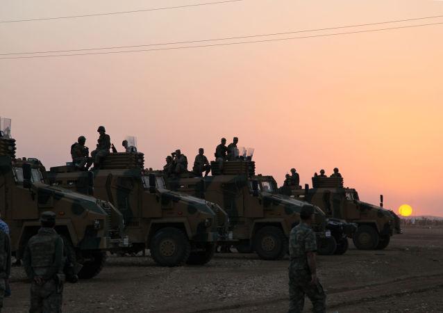 Siły tureckie na granicy z Syrią