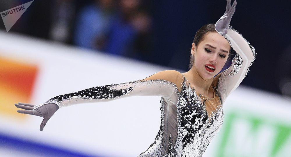 Rosyjska łyżwiarka Alina Zagitowa na Mistrzostwach Europy w Łyżwiarstwie Figurowym w Moskwie