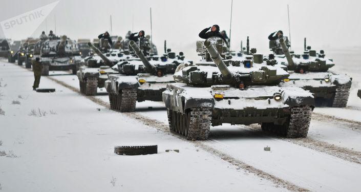 Czołgi T-72 pdczas próby parady z okazji 75. rocznicy bitwy pod Stalingradem