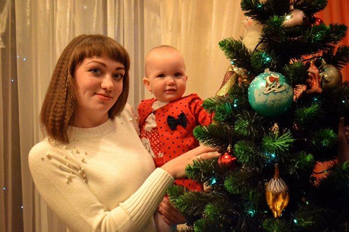 Ksenia z córką Sofią, Donieck