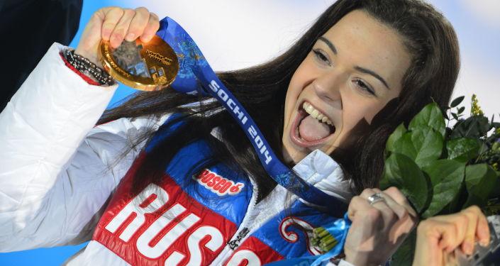Rosyjska łyżwiarka Adelina Sotnikova w czasie XXII Zimowych Igrzysk w Soczi