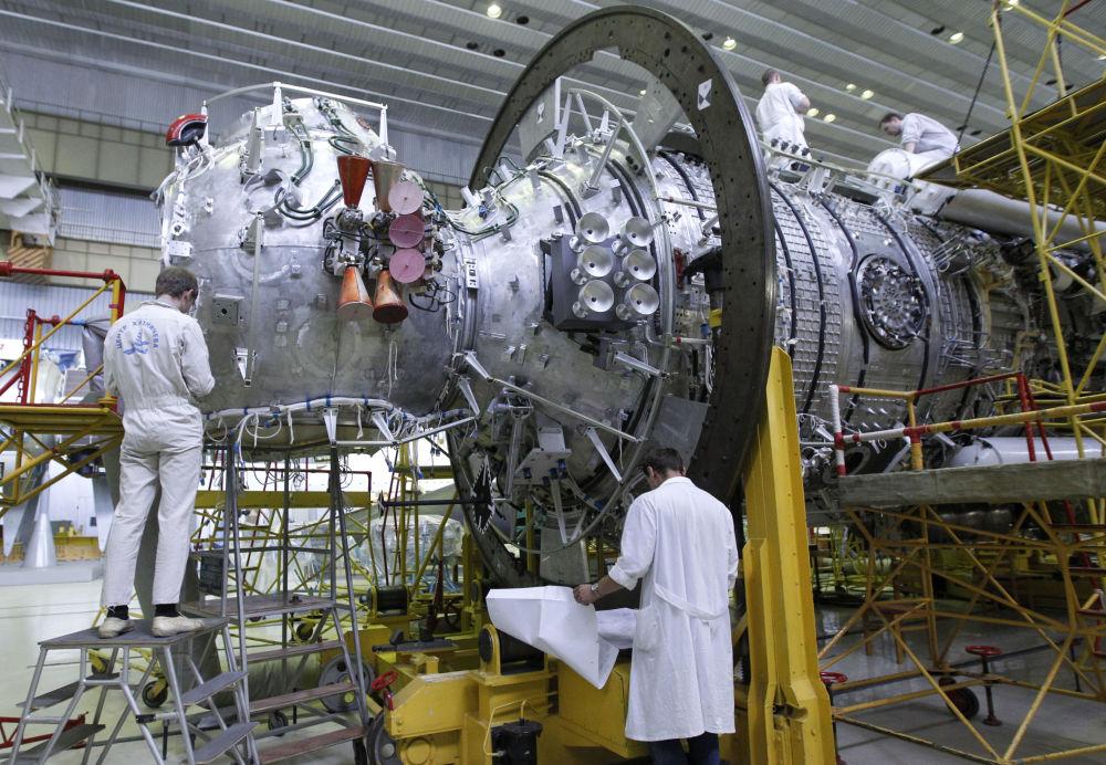 Montaż sprzętu na wielozadaniowym module laboratoryjnym dla MSK