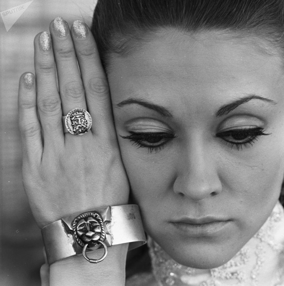 Biżuteria damska ze srebra, 1969 rok.