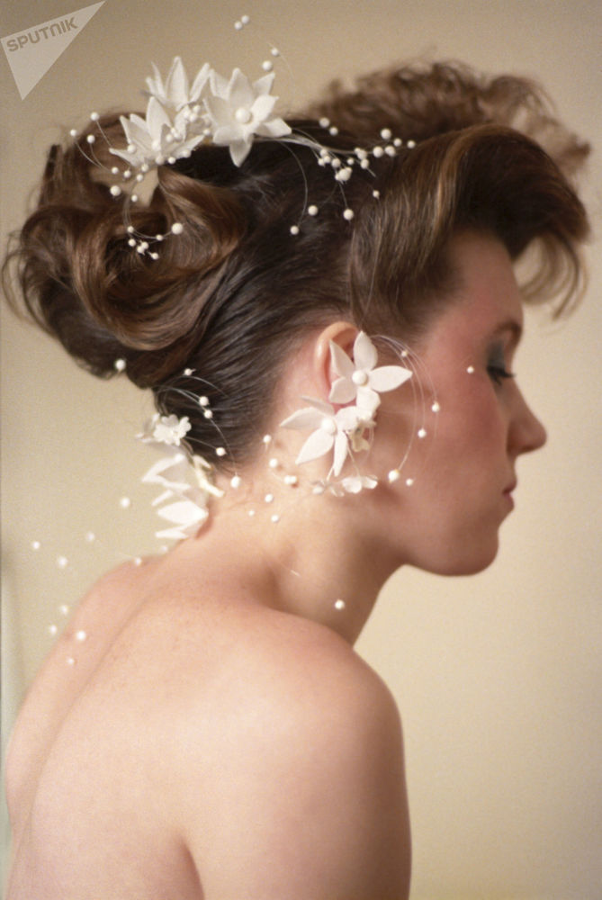 Stylizacja ślubna popularnego moskiewskiego fryzjera G. Nadżarowa, 1987 rok.